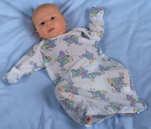 https://medicalapparel.healthcaresupplypros.com/buy/patient-wear/pediatric-and-infant-apparel/infant-gowns/slipover-infant-gown-with-mitten-cuffs